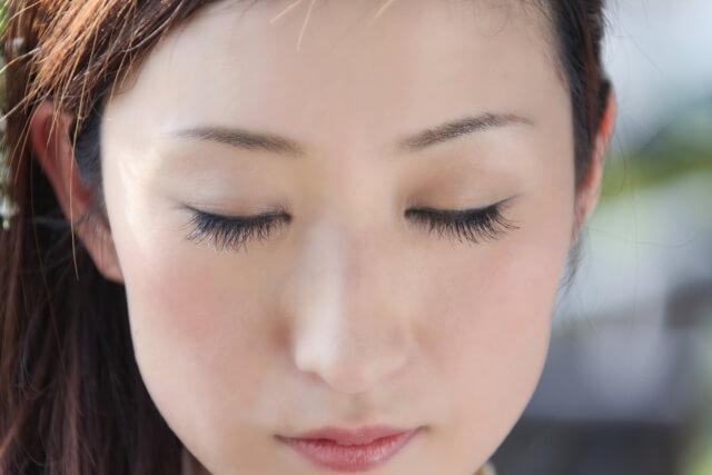 tsukematsuge nachuraru